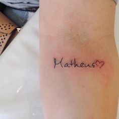 21 idias de tatuagens para homenagear os filhos tattos caligrafia e desenho em fine line por yasmin coiado curta facebook thecheapjerseys Image collections