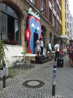 Hotel, Bar Restaurant. Standard Hangout von Katzenjammer, wenn sie auf Tour mal in Berlin sind