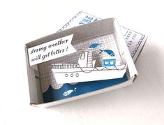 The gift of an experience is better than the gift of an object. Kim Welling, an artist from the Netherlands, solved the puzzle of how to gift an experience by creating The Instant Comfort Pocket Box, a decorated match-box with a nice message and 3D image inside.
