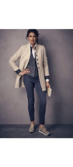 Casual Work Outfits For Women Over, If you don't have the appropriate outfits, you're going to be the laughingstock of the game. When it has to do with smart casual outfits, you want to . Autumn Fashion 2018, 50 Fashion, Fall Fashion Trends, Look Fashion, Funky Fashion, Fashion Outfits, Fashion Stores, Petite Fashion, Cheap Fashion