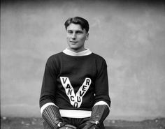 1930 Joe Jerwa of The Vancouver Lions. Jerwa later played in the NHL for the New York Rangers, Boston Bruins and New York Americans. Nhl Hockey Jerseys, Ice Hockey Teams, Men's Hockey, Hockey Room, Hockey Players, Prep Boys, Nfl Highlights, Canada Hockey, Hockey Pictures
