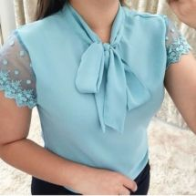 Lace Stitching Short Sleeved Chiffon Shirt 2019 Lace Stitching Short Sleeved Chiffon Shirt The post Lace Stitching Short Sleeved Chiffon Shirt 2019 appeared first on Chiffon Diy. Blouse Patterns, Blouse Designs, Fashion Week, Fashion Outfits, Style Fashion, Sewing Blouses, Moda Chic, Cute Blouses, Shirt Blouses