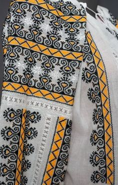 Peasant Blouse, Blouse Online, Embroidered Blouse, Cotton Style, Embroidery Patterns, Costume, Shirt Dress, Mens Tops, Shirts