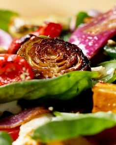 Vegan Roasted Veggie Salad With Maple Balsamic Vinaigrette | 72 Insanely Popular Dinners You Have To Try In 2017