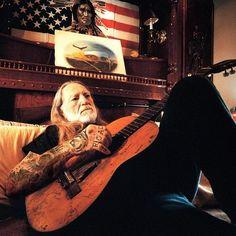 #WillieNelson #Legend