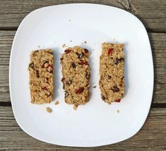 Chocolate Cranberry Granola Bars ~ allergy friendly homemade granola bars that are also freezer friendly! | 5DollarDinners.com