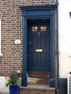 New dark blue garage door paint colors Ideas Brown Front Doors, Front Door Entryway, Painted Front Doors, Entry Doors, Dark Doors, Garage Doors, Blue Doors, Door Paint Colors, Front Door Colors