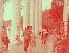 Alunos dançam em Black Mountain College, meados dos anos 1950.