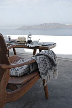 Only Deco Love: Santorini Retreat Santorini, Outdoor Spaces, Outdoor Living, Outdoor Decor, Outdoor Retreat, Beautiful Villas, Beautiful Places, Fresco, Porch And Terrace