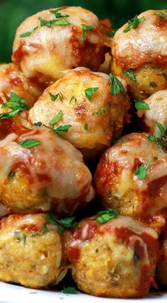 Buffalo Chicken meatballs recipe - Your favorite chicken Parmesan transformed into these popable Chicken Parmesan Meatballs. This recipes is ready in just 30 minutes. Meatball Recipes, Turkey Recipes, Chicken Recipes, Baked Chicken, Recipe Chicken, Pasta Recipes, Appetizer Recipes, Dinner Recipes, Appetizers
