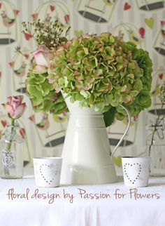Hooray for Hydrangeas wonderful wedding flowers