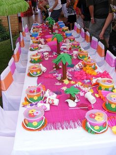 Hawaiian themed party set up