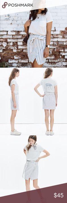 Madewell Portside Stripe Linen & Cotton Skirt Really cute white and light blue striped skirt from madewell. Adorable modest beachwear Madewell Skirts Mini