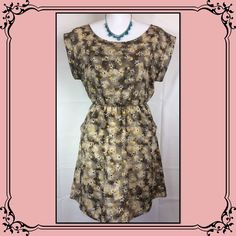 Pre loved mini  summer casual short Dress Excellent used condition/ side pockets/ pull over/shouder to hem 31'/summer dress/light fabric/ yellow,teal,blue,purple flower details/ Lush Dresses Midi