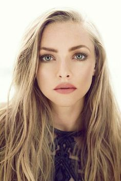 Amanda Seyfried with simple yet beautiful make up. love this look Beauty Make-up, Beauty Hacks, Hair Beauty, Beauty Skin, Beauty Care, Beauty Ideas, Beauty Guide, Blonde Beauty, Beauty Trends