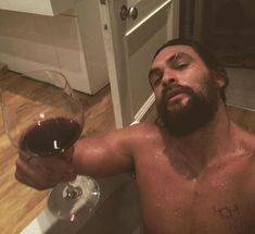Jason Momoa Aquaman, Jason Momoa Gif, Jason Statham, Khal Drogo, Look At You, How To Look Better, Macho Alfa, Funny Memes, Hilarious