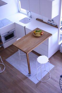 studio à Montmartre - cuisine avec plan pivotant en chêne massif - berengere giaux architecture