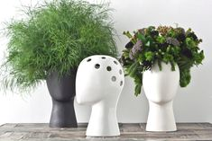 An ironic and playful feminine head-shaped ceramic vase inspired by Amedeo Modigliani portraits that teases both flower designers with a sense of humor and hairstylists with the green finger. A piece with a fresh attitude that communicates its design through the simplicity of an elegant smile.