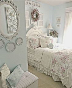 Adorable shabby chic bedroom decor ideas (29)