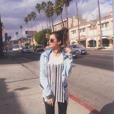 """""""HEY LOS ANGELES!   1ª foto aqui super clichê: foto com as palmeiras e camiseta escrito LA hahahaha • acompanhem no snap: heynahcardoso {aqui são…"""""""