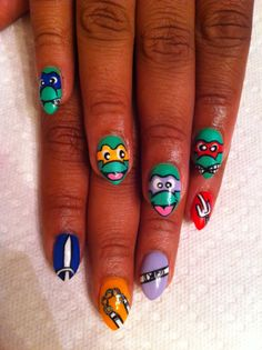 Aaaahhh!!! I've done Ninja Turtle Nails before... But I have to try this!!!