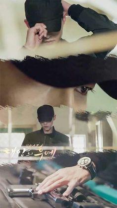 Descendants Of The Sun - Preparing for Black Operation Park Hae Jin, Park Seo Joon, Drama Korea, Korean Drama, Descendants Of The Sun Wallpaper, Song Joong Ki Birthday, Soon Joong Ki, Decendants Of The Sun, Park Bogum
