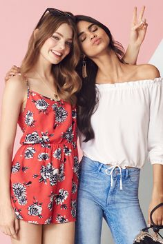 Keep it fun & flirty in florals, fringes, and floaty fabrics topped off with free-spirited details. │ H&M Divided