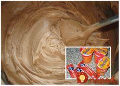 Úžasný krém na torty a neprekonateľný do veterníkov aj do vianočného pečiva. Fantastická pochúťka, recept od Lucky! Potrebujeme: tri šľahačkové smotany (250g, 33%) tri kusy tyčinky ľadových gaštanov (prípadne dve biele čokolády) Postup: Tento krem si môžete pripraviť aj s bielou čokoládou alebo inými obľúbenými tyčinkami. Na tri smotany potrebujete 2 biele čokolády. Smotany si... Carrot Cake, Cake Art, Food Art, Creme, Carrots, Icing, Peanut Butter, Cheesecake, Deserts