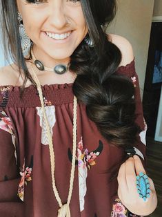 (also wish my hair did this. (also wish my hair did this. Country Fashion, Boho Fashion, Fashion Outfits, Southern Fashion, Cowgirl Fashion, Cowgirl Outfits, Western Outfits, Cowgirl Clothing, Cowgirl Jewelry