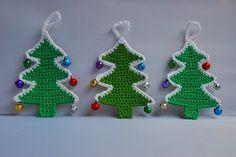 Free crocheted Christmas tree pattern / tutorial.