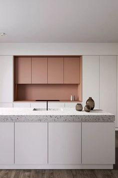 The terrazzo in the kitchen: granito trend Terrazzo, Painting Kitchen Cabinets, Kitchen Shelves, Interior Design Tips, Interior Design Kitchen, Rustic Kitchen Design, Cuisines Design, Kitchen Styling, Interiores Design