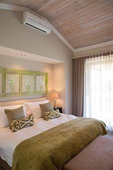 Premier Hotel Knysna - The Moorings (Knysna, South Africa) | Expedia.co.nz