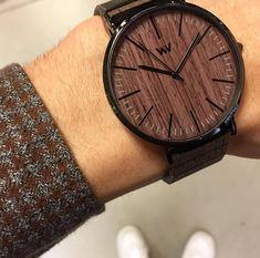 Letisztult elegancia: Wewood - Horizon Dió. Keresd nálunk! 👊 #VinylandWood #GetLostinWonderland #Wewood #WewoodHungary #wooden #woodwatch #mutimitviselsz #Budapest #Hungary Wooden Watch, Budapest Hungary, Sunglasses Accessories, Watches, Elegant, Wooden Clock, Wristwatches, Clocks