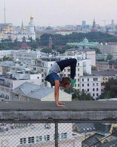 Estamos acostumados a acompanhar as aventuras de rooftoppers masculinos como Vitaliy Raskalov e Vadim Makhorov ou Mustang.