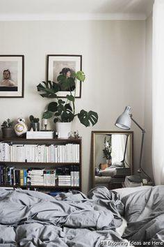 Gorgeous 65 Simple Bedroom Shelves Design Ideas https://roomaholic.com/1036/65-simple-bedroom-shelves-design-ideas