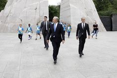 TV Meets Real Life As Frank Underwood Is Photographed By Pete Souza