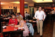 Nuestros comensales después de una rica comida y después de disfrutar el clasico Español.