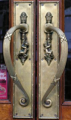 Antique Door Knobs, Antique Doors, Stylish, Door Design, Pools, Door Handles,  Door Knockers, Hardware, Portal