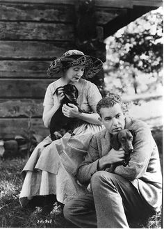 Alfred Lunt and Lynn Fontanne with Two Dachshunds