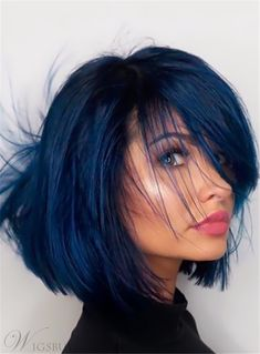 Latest trend in hair: Are you ready for navy blue hair? The popularity of navy blue hair is increasing! We are used to blue hair, pink, what about navy blue? Pretty Hairstyles, Straight Hairstyles, Hairstyle Ideas, Amazing Hairstyles, Popular Hairstyles, Blue Black Hair Color, Short Blue Hair, Blue Hair Colors, Black Hair With Blue Highlights