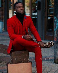 Red Groom Tuxedos 2019 Red Groomsmen Custom Made Back Vent Best Man Suit Wedding Men Suits Bridegroom (Jacket+Pants+Vest) Sharp Dressed Man, Well Dressed Men, Mode Masculine, Mens Fashion Suits, Mens Suits, Prom Suits For Men, Red Prom Suits, Fashion Business, Mens Clothing Styles