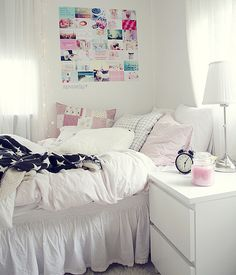 I don't know why I like this so much but I really do! It looks so cute simple and comfy! Cute girl bedroom ideas