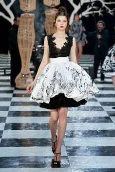 Fashion Show: Frank Sorbier Spring 2014 Haute Couture