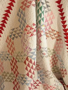 love the colors - Gorgeous Vintage Ocean Waves Quilt ~ Great Red Flying Geese Border Old Quilts, Antique Quilts, Scrappy Quilts, Vintage Quilts, Easy Quilts, Quilting Projects, Quilting Designs, Quilting Ideas, Sewing Projects