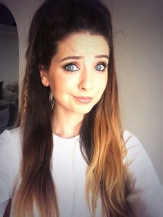 My inspirational leader Zoella ❤️ Her hair is in a high half down pony with her GORG ombré hair 😘 Zoella Beauty, Hair Beauty, Bae, Zoe Sugg, Natural Hair Styles, Long Hair Styles, Hollywood, Girl Online, Cute Hairstyles