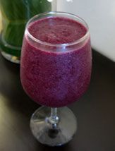 Blueberry-Pineapple Green Smoothie Recipe via Incredible Smoothies
