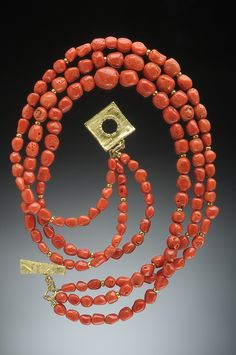 Hughes-Bosca Jewelry   Necklace - with geometric toggle clasp