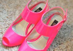 neon pink shoes c/o mango.