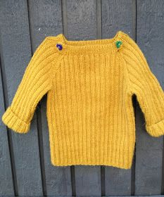 Hos Anna-ananas: Hannah: Endnu en sweater til at vokse i Baby Knitting Patterns, Baby Patterns, Free Knitting, Baby Poncho, Wool Poncho, Winter Jumpers, Jumpsuit Pattern, Baby Alpaca, Garter Stitch