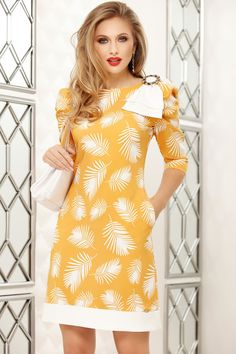 Rochii office de vară la modă în 2020 - Rochii office în vogă vara acesta Yellow Office, Dress Outfits, Fashion Outfits, Special Dresses, Classy Casual, Review Dresses, Dress Backs, Yellow Dress, Clothing Patterns